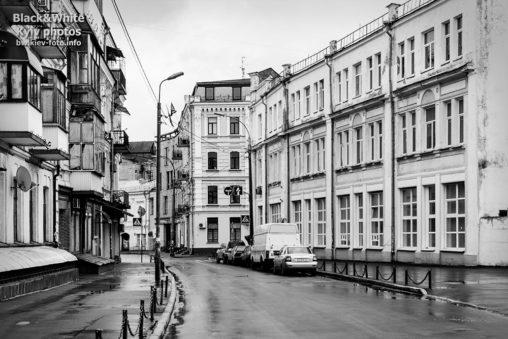 Тихая улица на Подоле