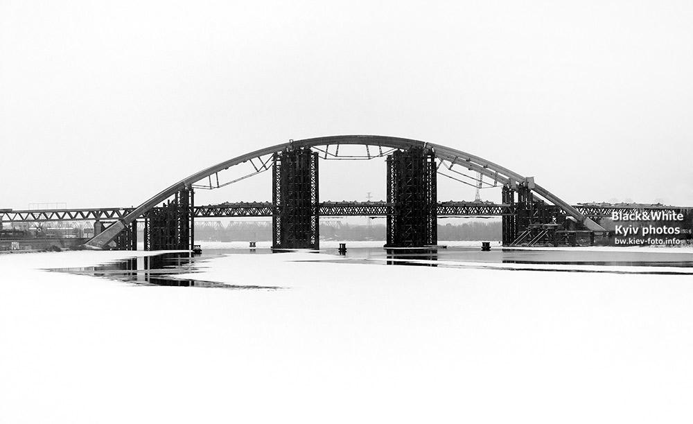 Подольско-Воскресенский мост над замерзшим Днепром