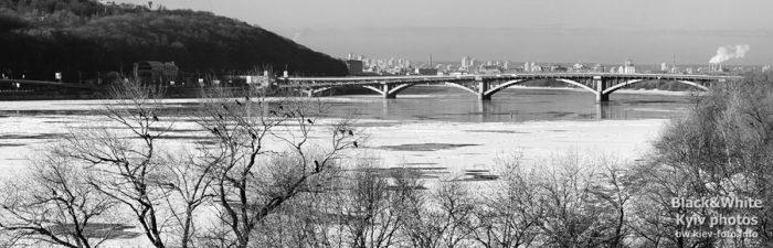 Вид на киевский Мост Метро. View of Kiev Metro Bridge