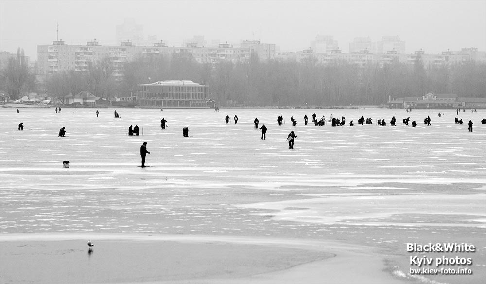 Зимняя рыбалка на Оболони