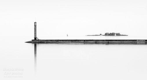 Маяк на Киевском море в Вышгороде. Lighthouse on the Kiev Sea in Vyshgorod