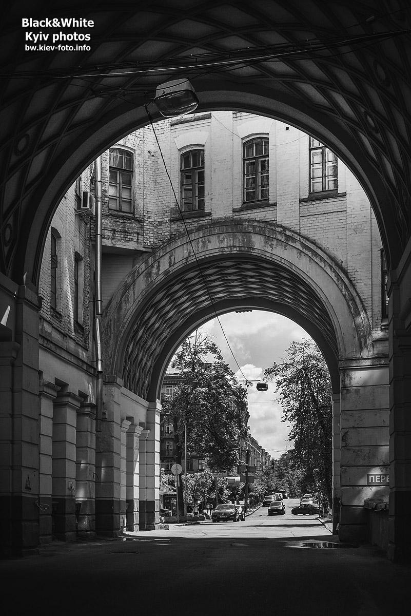 Проездная арка на Прорезной