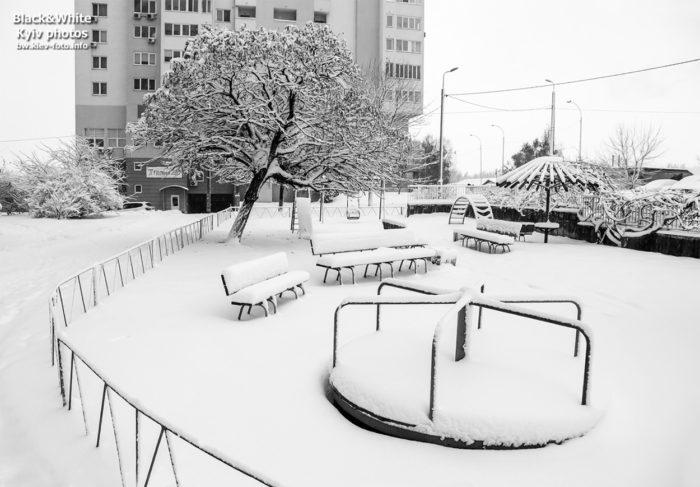 После утреннего снегопада в Киеве