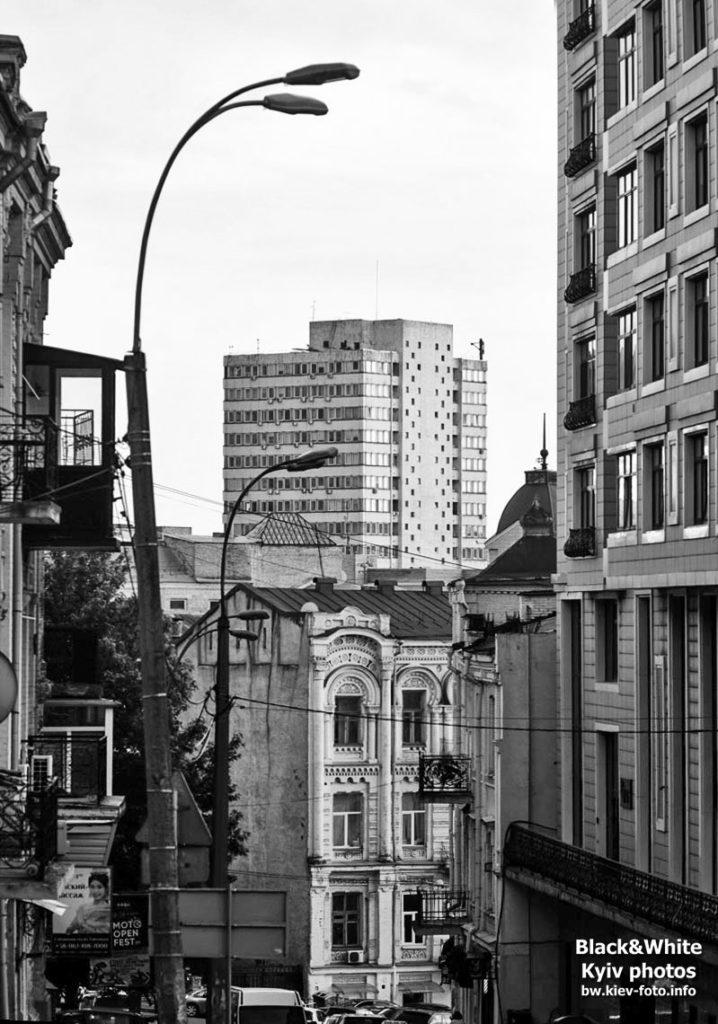 Нижняя часть улицы Круглоуниверситетская