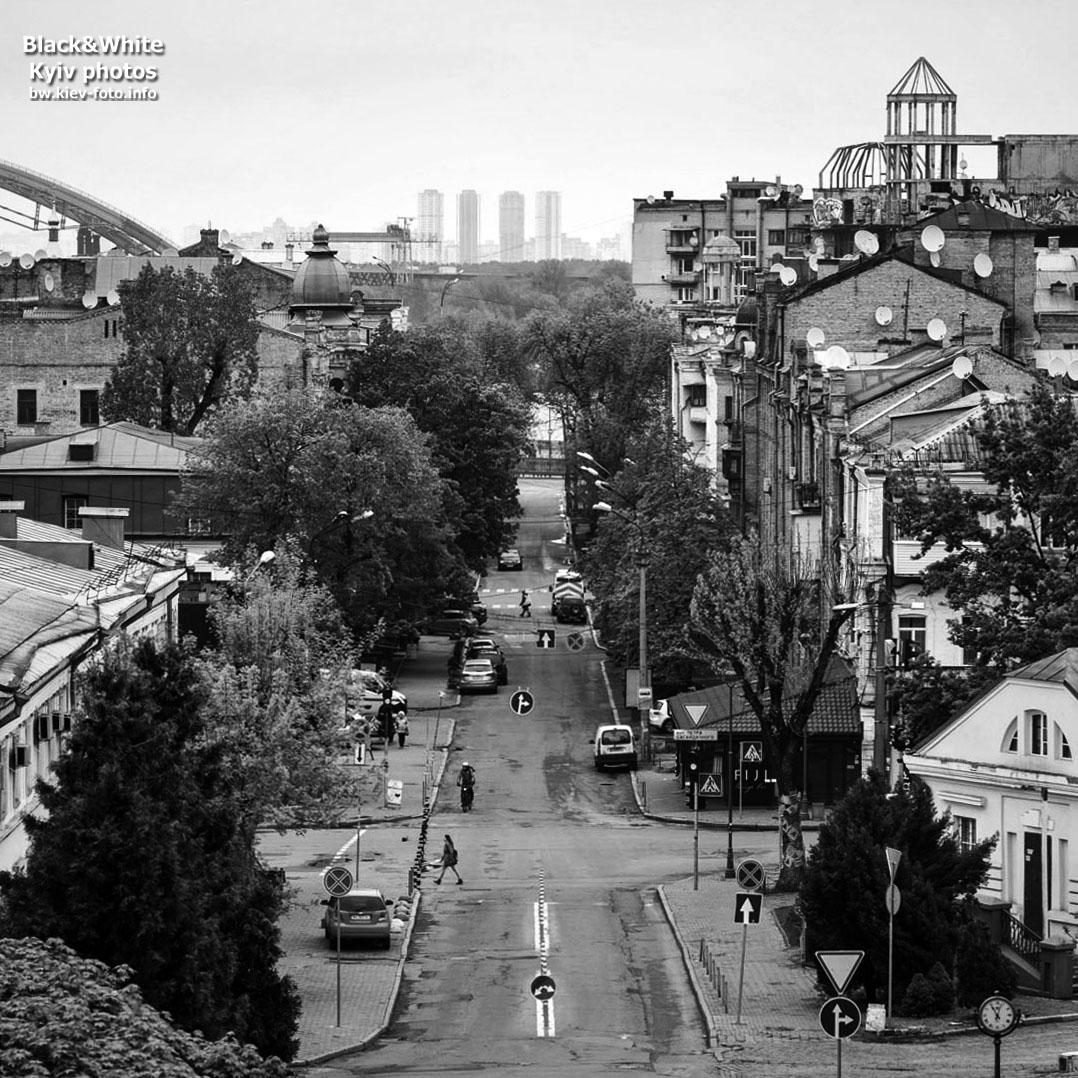Вид на Андреевскую улицу